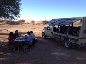 breakfast-dunes-sossusvlei